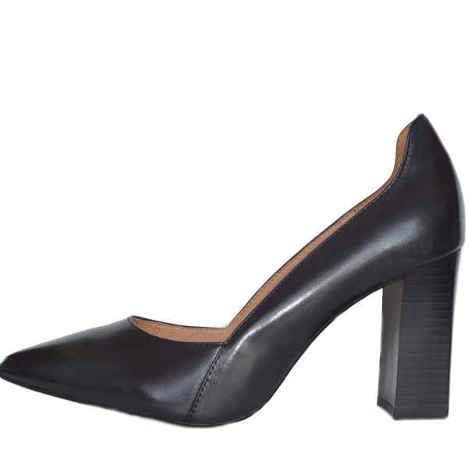 22401 black antic 1 - Caprice shoes